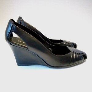 New Chinese Laundry Insight 9 Med Black Wedge Shoe
